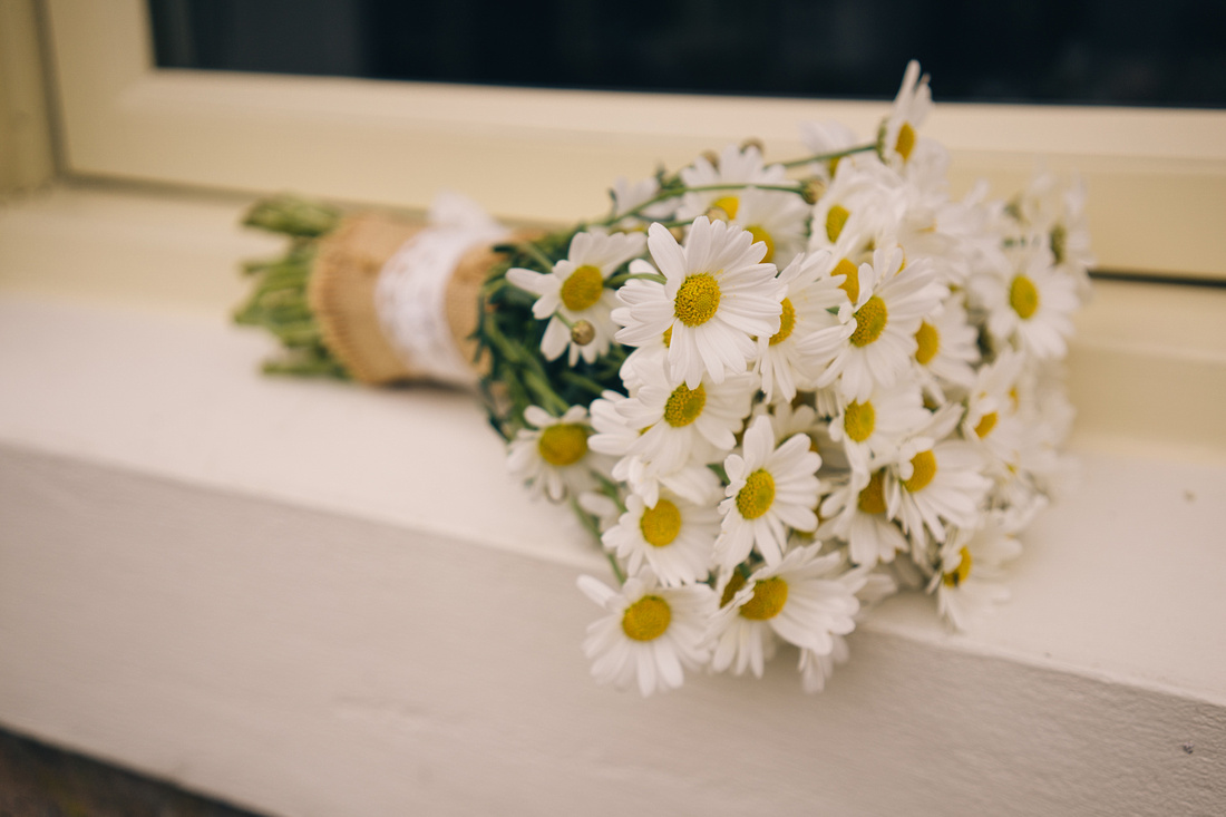 Brides daisy bouquet