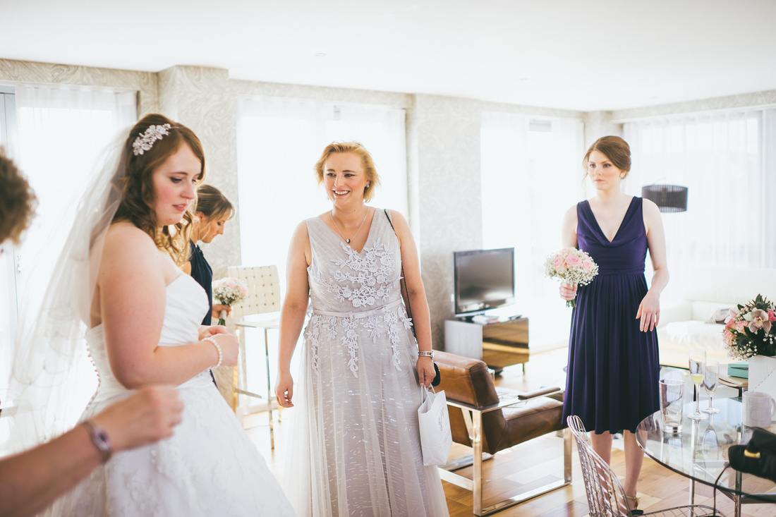 Bridal prep at St Andrew's on the Square Penthouse Apartment