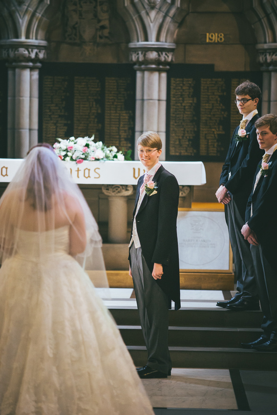 Bride and Groom at Glasgow University Chapel