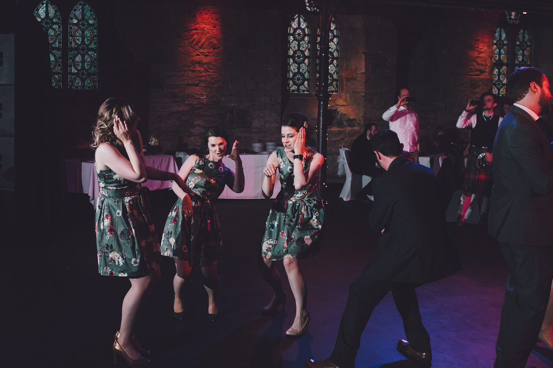 Cottiers Glasgow bridesmaids dancing