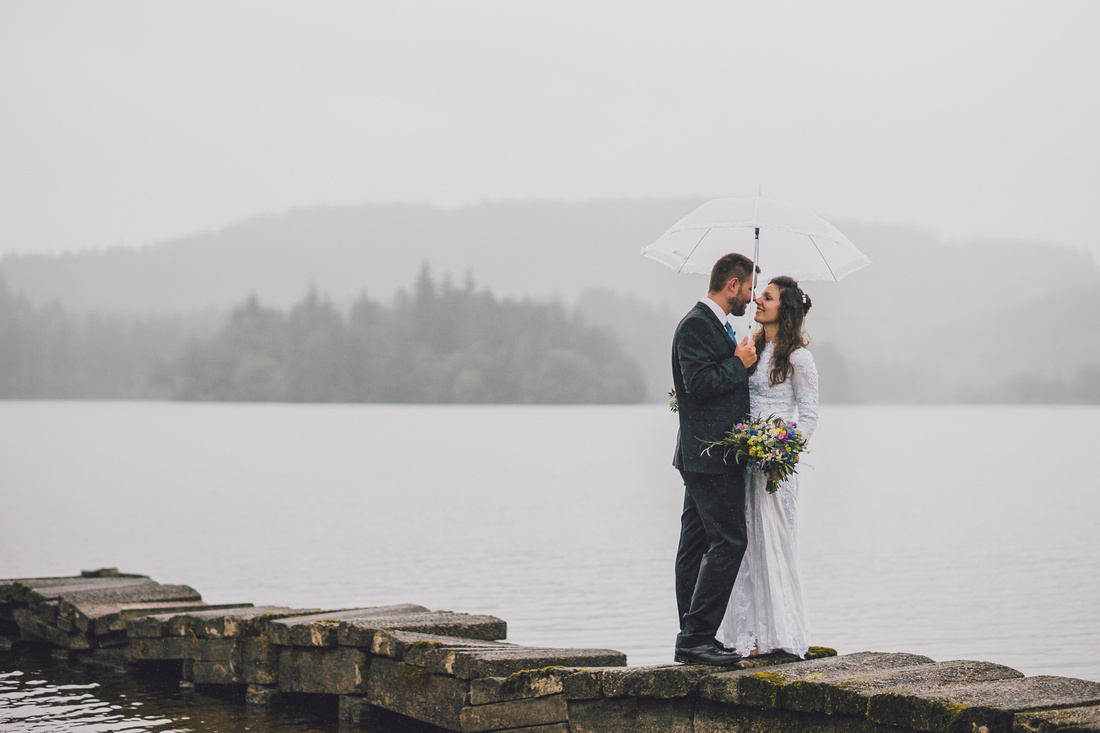 Wedding couple Kinlochard pier view