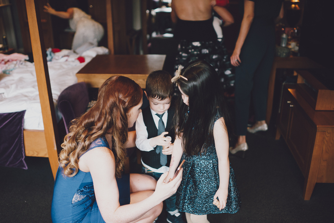 Getting ready with kids wedding